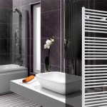 Hydronic heating towel rail for warming up your towels